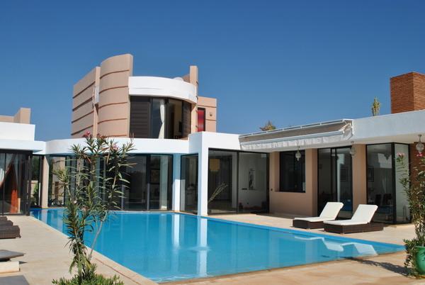 Une tr s belle villa louer sur marrakech guide for Villa a louer a casablanca avec piscine